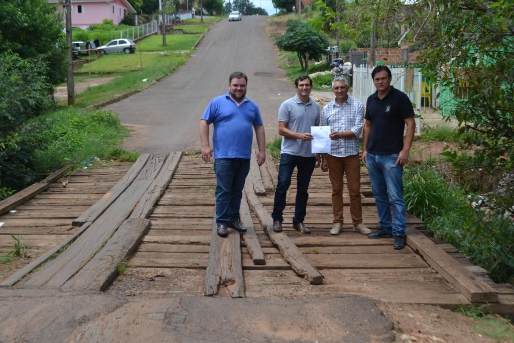 Ponte da Rua Xavantes será substituída por tubos de concreto