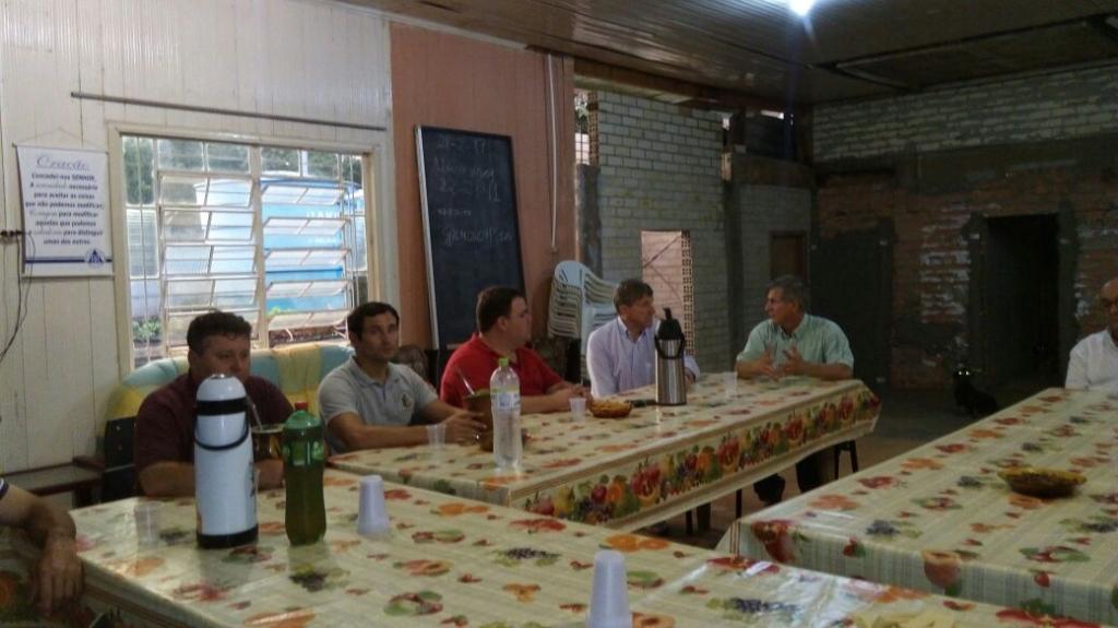 Vereadores participam de reunião no Cetrat
