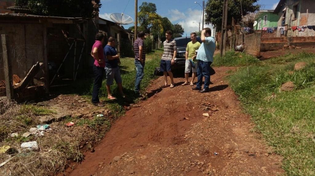 Vereadores fiscalizam condições de algumas ruas de Carazinho