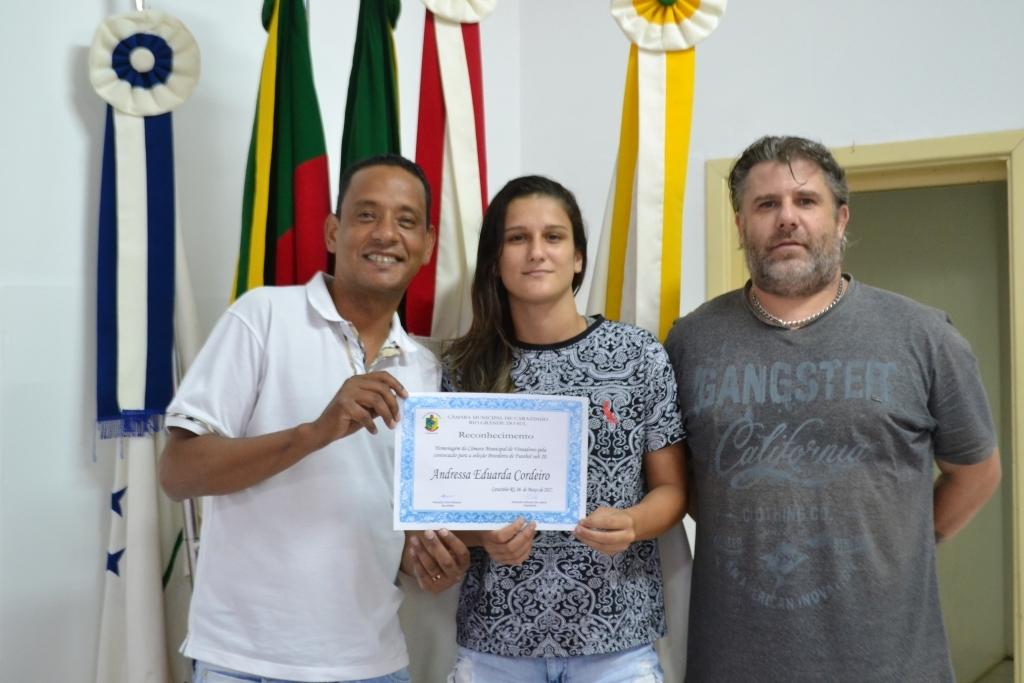 Vereador homenageia atleta que irá defender a Seleção Brasileira Femina