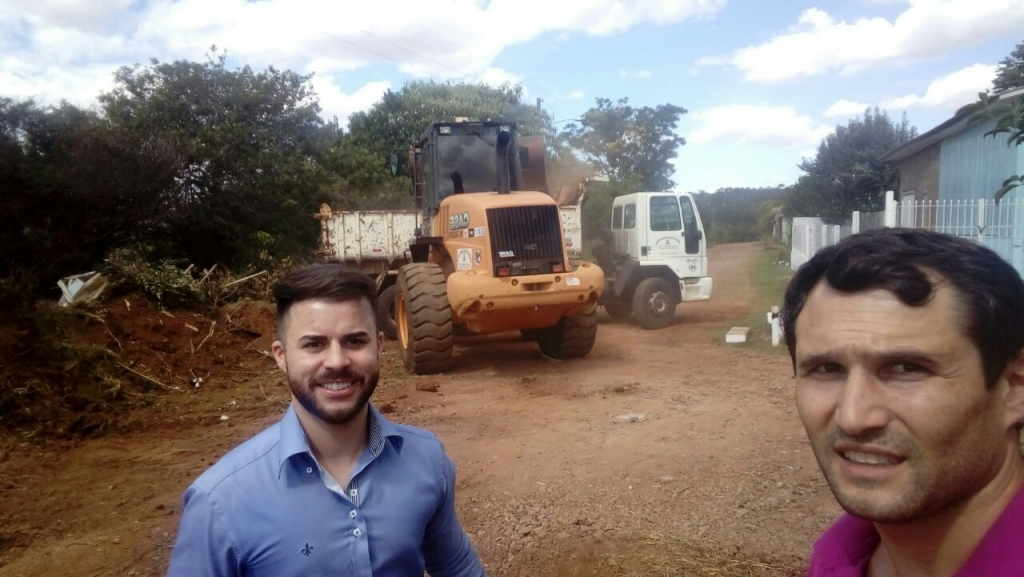 Vereadores acompanham melhorias nos bairros Carazinho