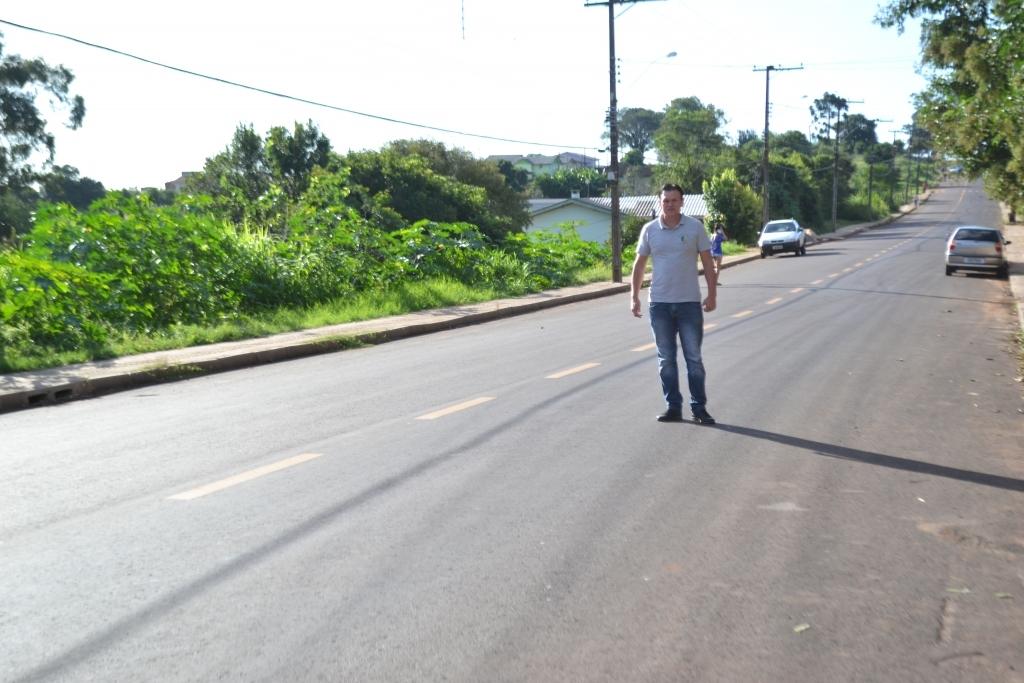 Moradores solicitam quebra-molas na Rua General Cassal Brum