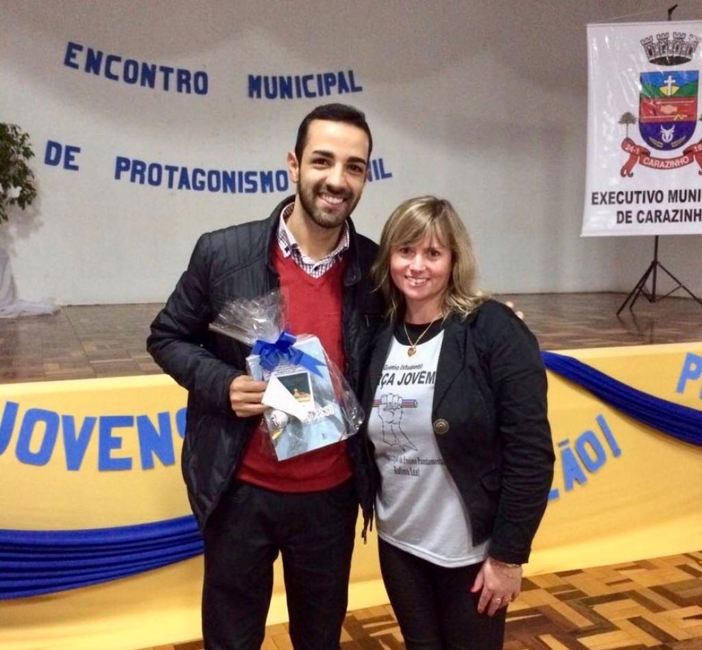 Vereador aborda sobre os desafios da Liderança Estudantil em encontro de estudantes