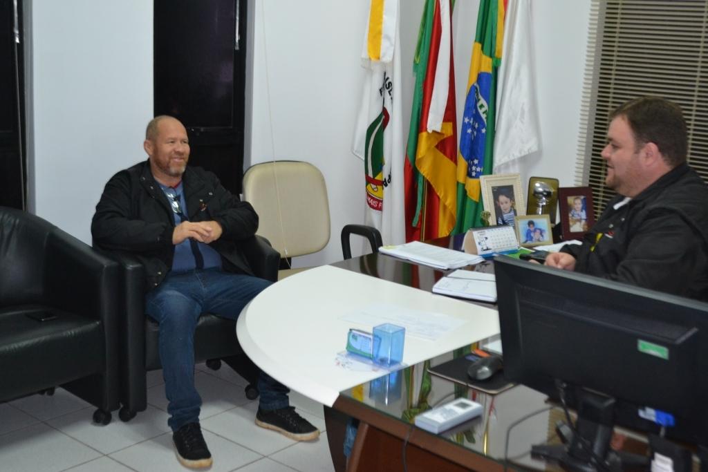 Presidente da Câmara recebe a visita de ex-vereador
