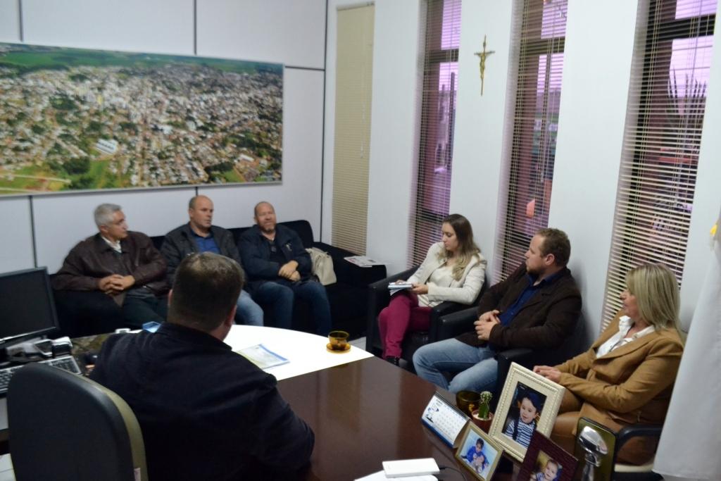 Presidente da Câmara de Ibirubá visita o município de Carazinho