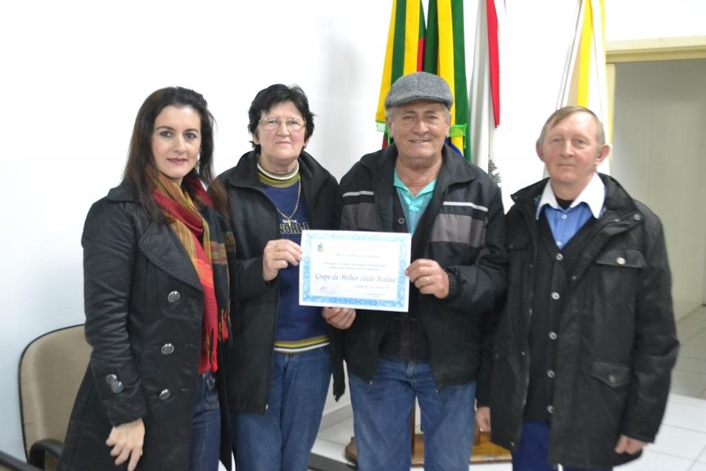 Vereadora reconhece trabalhos sociais do Grupo da Melhor Idade Ataláia