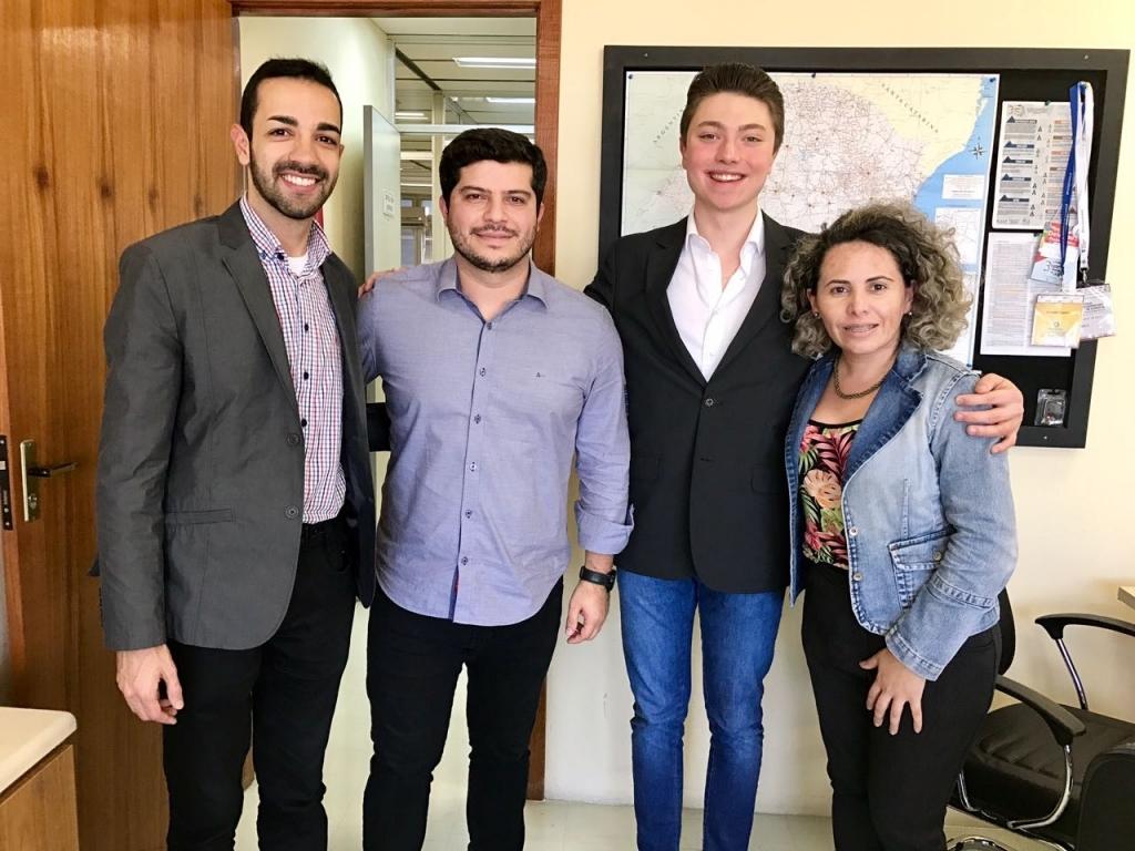 Vereador conhece projetos desenvolvidos pelo Departamento de Políticas para a Juventude do RS
