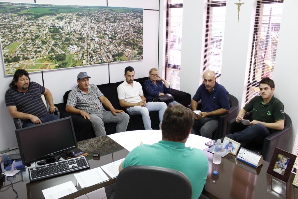 Moradores de Pinheiro Marcado fazem reivindicações ao presidente da Câmara