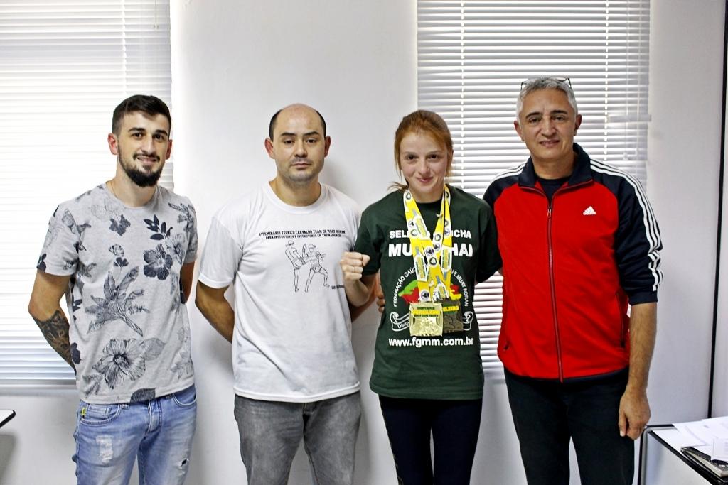 Atleta carazinhense está em busca de apoio para representar o Brasil no mundial de Muay Thai