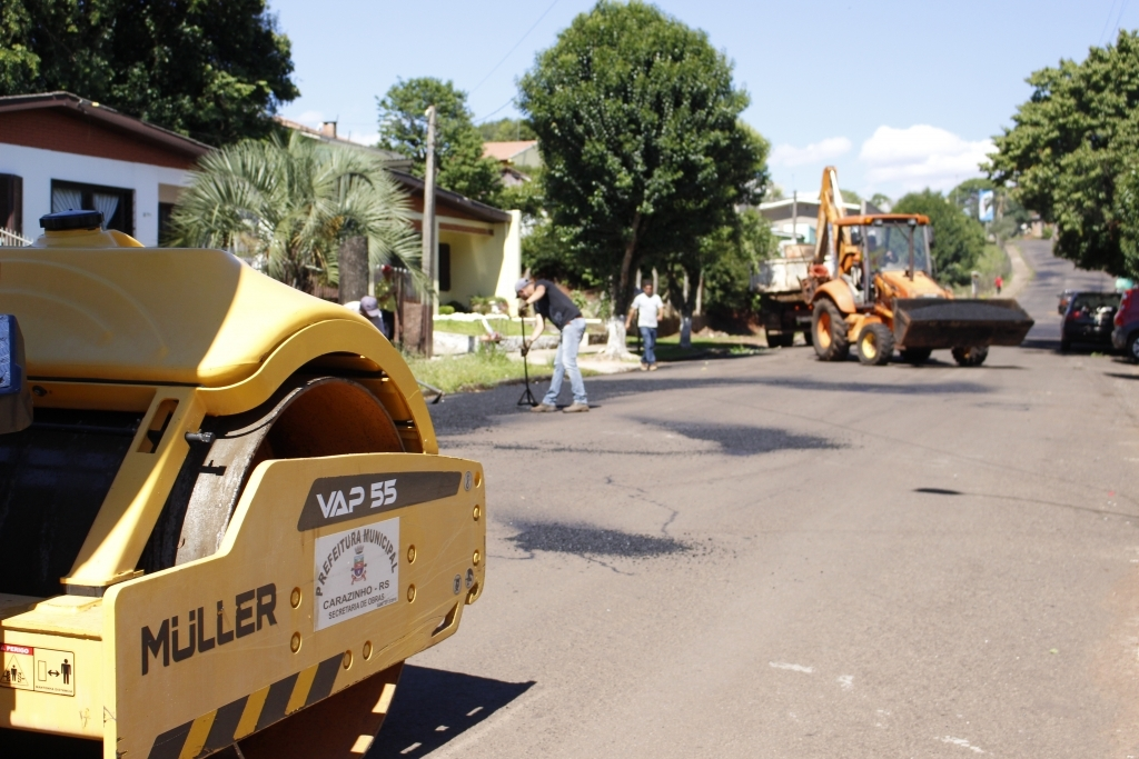 Rua Dinarte da Costa recebe melhorias nesta segunda-feira