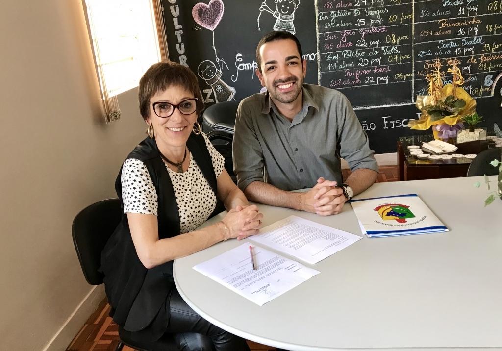 Vereador propõe a Implantação do Grêmio Estudantil nas escolas do município