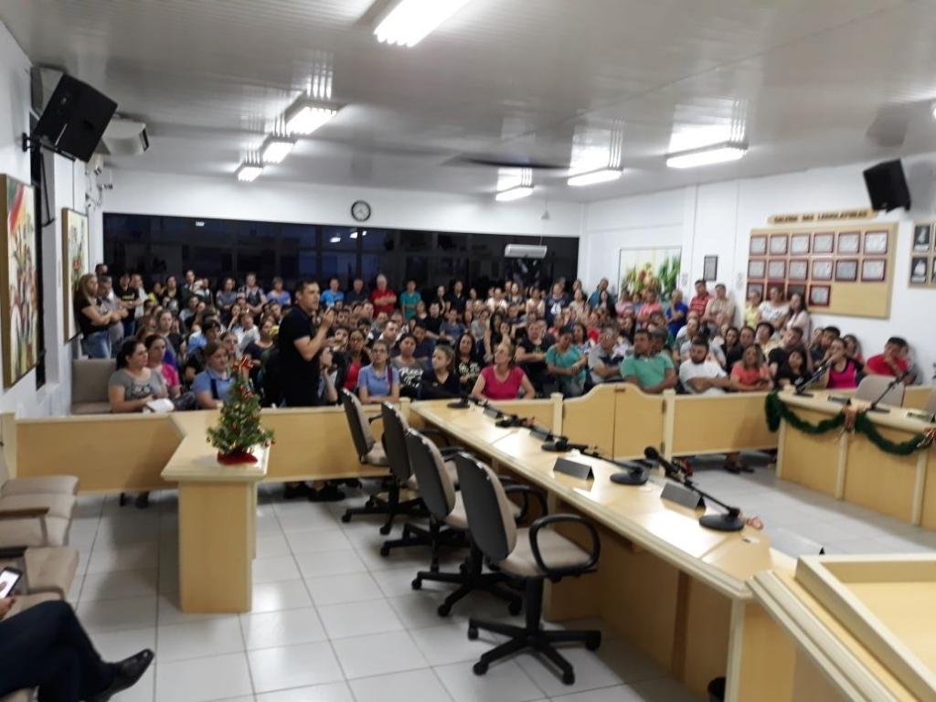 Câmara realiza audiência pública para debater a abertura dos Mercados e Supermercados aos domingos.