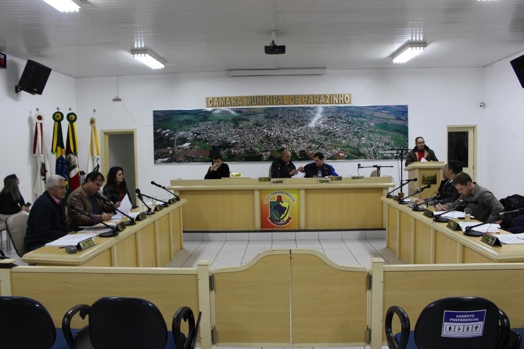 Projetos e emendas apreciados em sessão são aprovados
