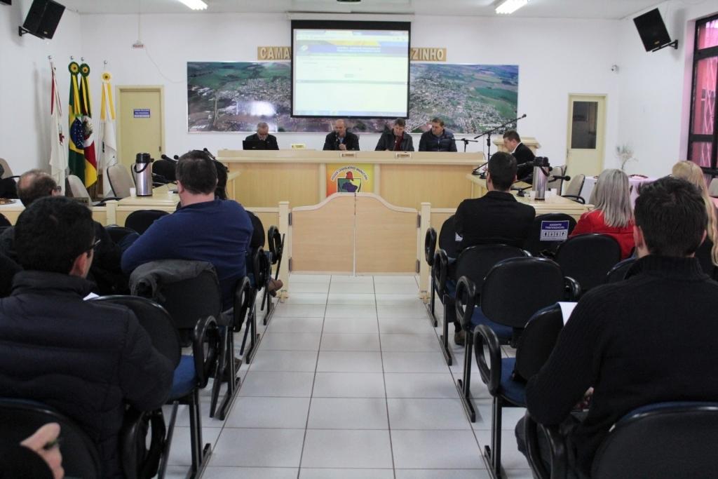 Fundo da Previdência Municipalista foi tema da reunião da AMAJA
