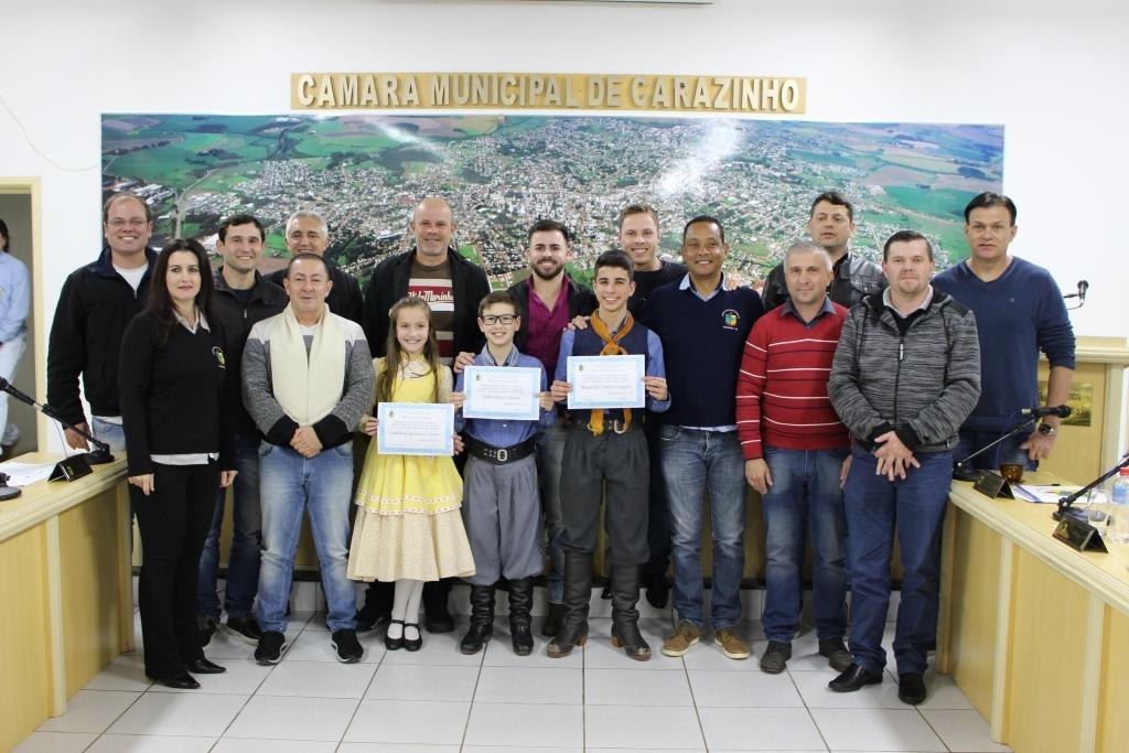 Vereadores homenageiam CTG Rincão Serrano pelas premiações conquistadas no Festival Tradicionalista Mirim